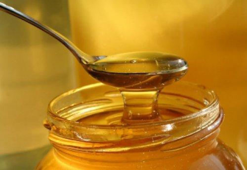 Мед в чайной ложке